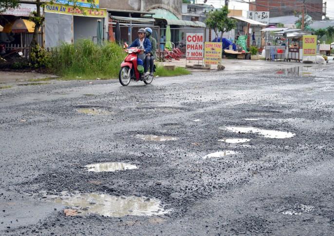 Dân TP Cà Mau kêu cứu vì đường xuống cấp nghiêm trọng - Ảnh 8.