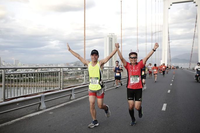 VĐV Suzaki Yuuya về nhất 42 km, cuộc thi Marathon Quốc tế Đà Nẵng - Ảnh 4.