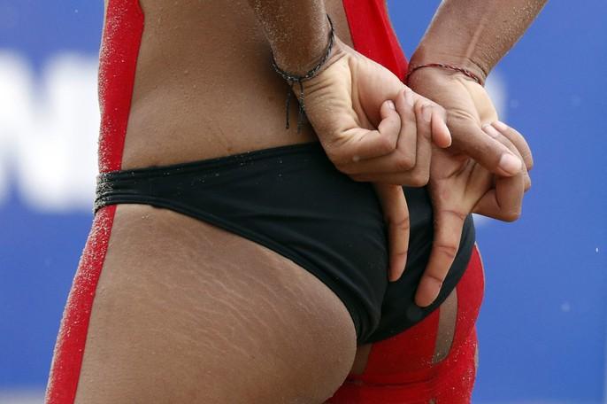 Bỏng mắt xem các nữ VĐV bóng chuyền bãi biển ASIAD - Ảnh 14.