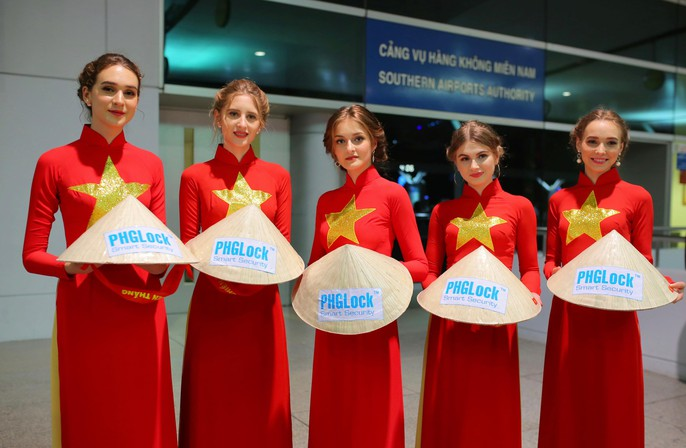 Hơn 300 CĐV bay sớm sang Indonesia tiếp lửa cho Olympic Việt Nam tranh HCĐ - Ảnh 16.
