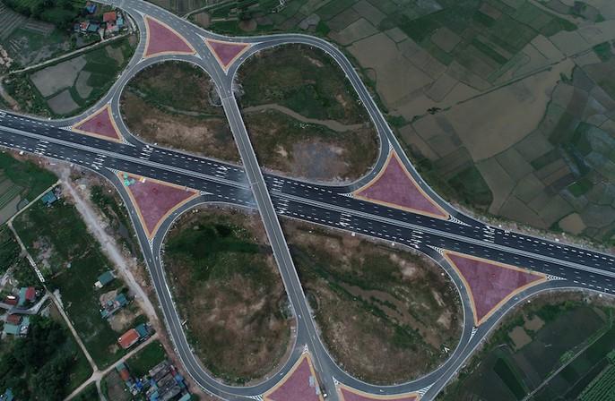 Thủ tướng, nguyên Thủ tướng cắt băng khánh thành xa lộ Hạ Long-Hải Phòng - Ảnh 8.