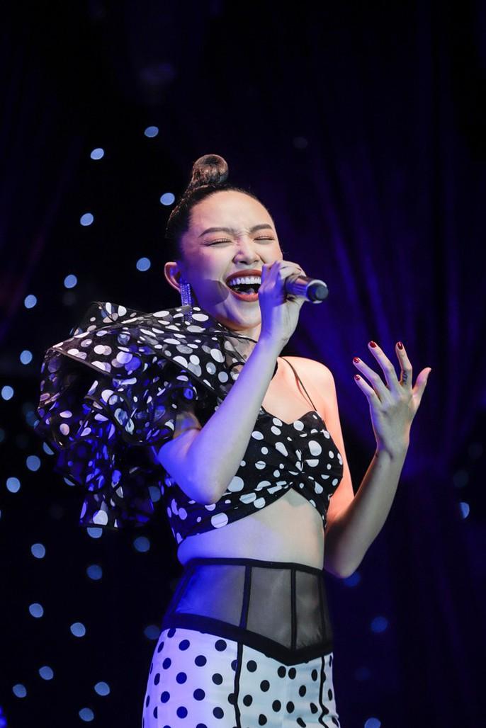 Hai đêm Tình nghệ sĩ quyên góp được gần 1,8 tỉ để giúp Mai Phương, Lê Bình - Ảnh 3.
