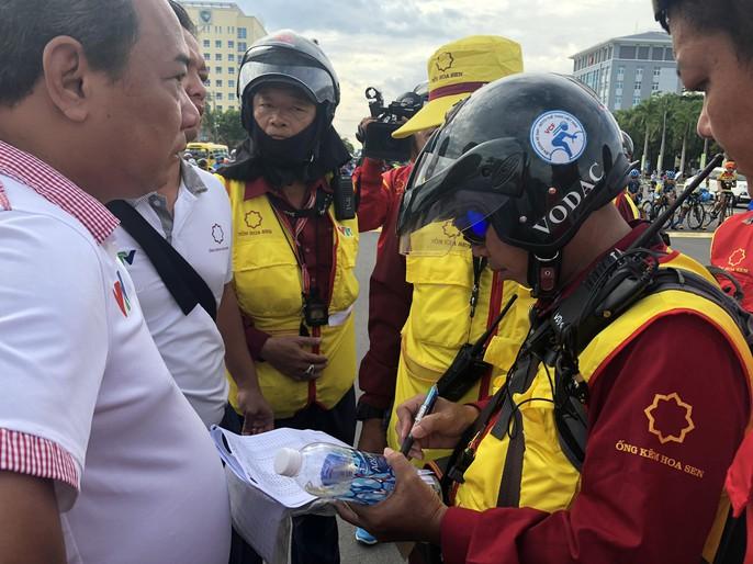 Tước quyền 4 tay đua ngay vạch xuất phát Cúp Tôn Hoa Sen 2018 - Ảnh 4.