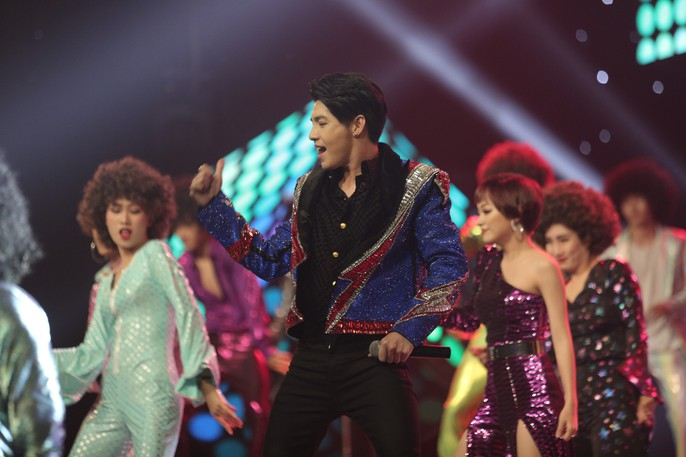 Noo Phuoc Thinh satisfied with the victory at the Voice of Vietnam 2018 - Picture 4.