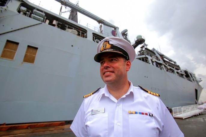 Ngắm tàu đổ bộ HMS Albion của Hải quân Anh đang thăm TP HCM - Ảnh 8.