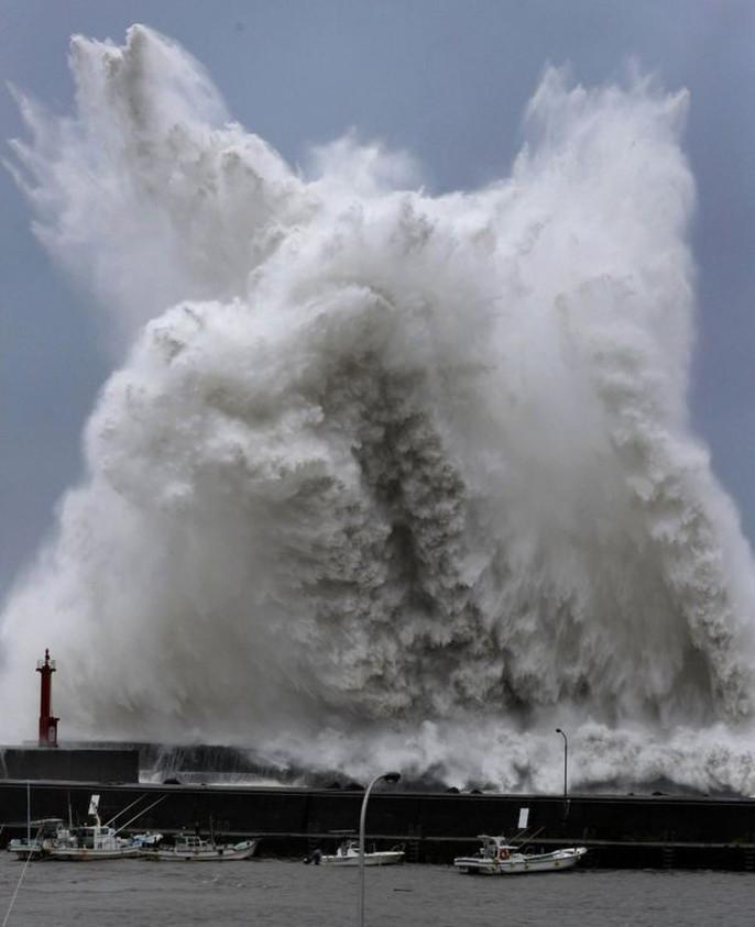 Hình ảnh Nhật Bản tả tơi sau bão Jebi - Ảnh 13.