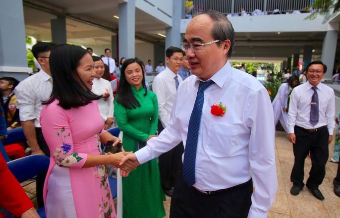 Chủ tịch nước Trần Đại Quang: Giáo dục luôn được đặt ở vị trí trung tâm - Ảnh 24.