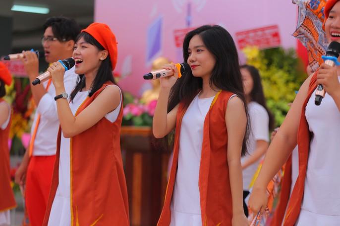 Chủ tịch nước Trần Đại Quang: Giáo dục luôn được đặt ở vị trí trung tâm - Ảnh 28.
