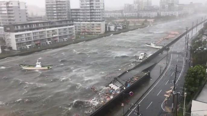Hình ảnh Nhật Bản tả tơi sau bão Jebi - Ảnh 10.