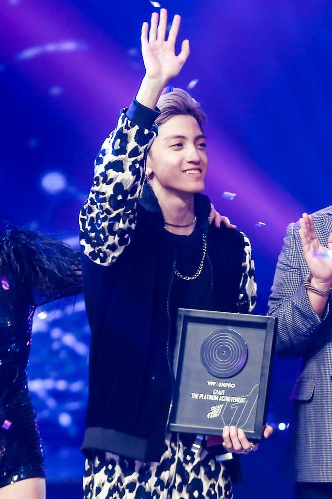 Tùng Dương đoạt quán quân The Debut 2018 gây tranh cãi - Ảnh 6.