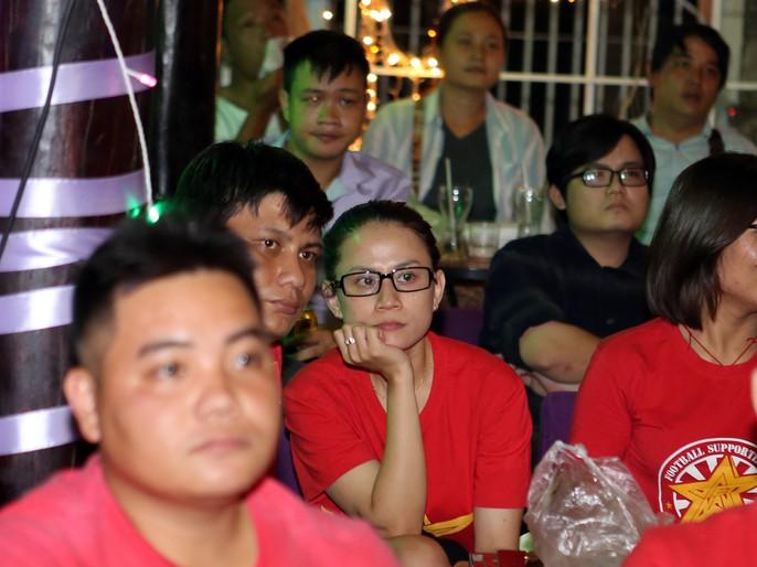 CĐV ở quê nhà nức lòng vì U23 Việt Nam - Ảnh 2.