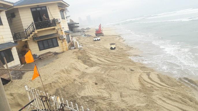 Cận cảnh bờ biển quyến rũ nhất hành tinh bị sạt lở nghiêm trọng - Ảnh 6.