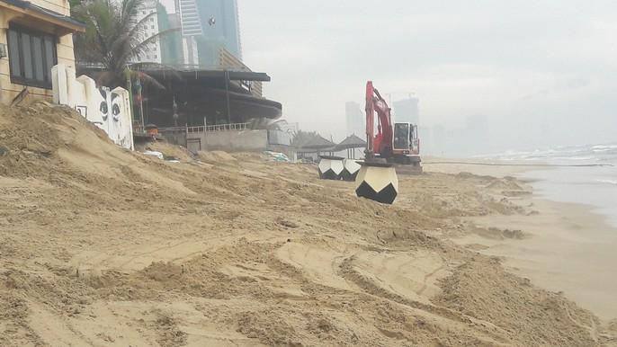 Cận cảnh bờ biển quyến rũ nhất hành tinh bị sạt lở nghiêm trọng - Ảnh 10.