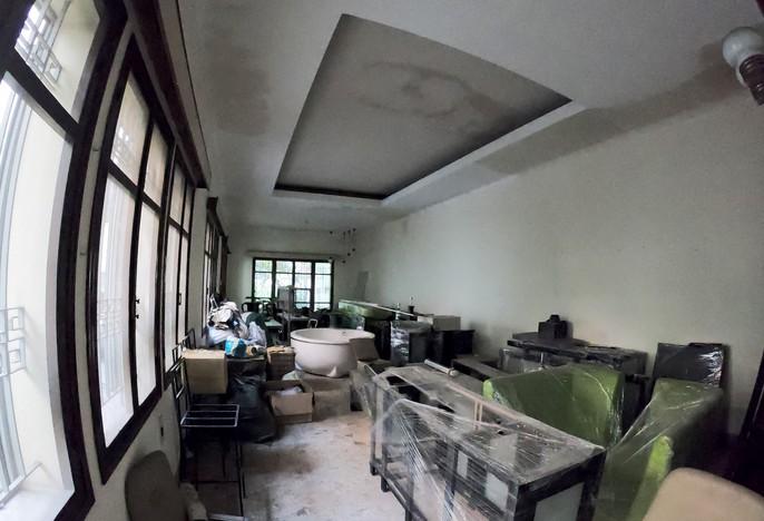 Cận cảnh biệt thự cũ giá triệu USD bỏ hoang giữa trung tâm TP HCM - Ảnh 6.