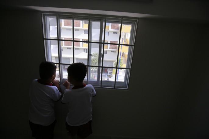 3 bé có cha mẹ chết dưới bánh container được tặng 2 căn hộ - Ảnh 23.
