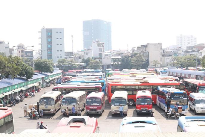Chặn kịp 1 tài xế xe khách liều mạng ở Bến Xe Miền Đông - Ảnh 3.
