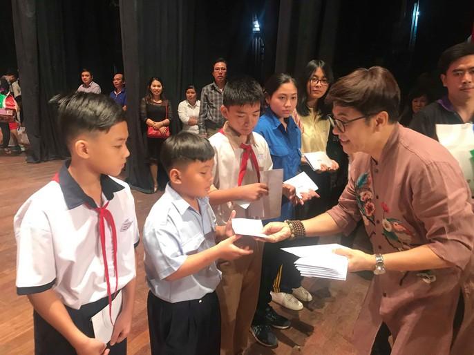 NSND Kim Cương rơi nước mắt trong Chương trình Nghệ sĩ tri âm - Ảnh 8.