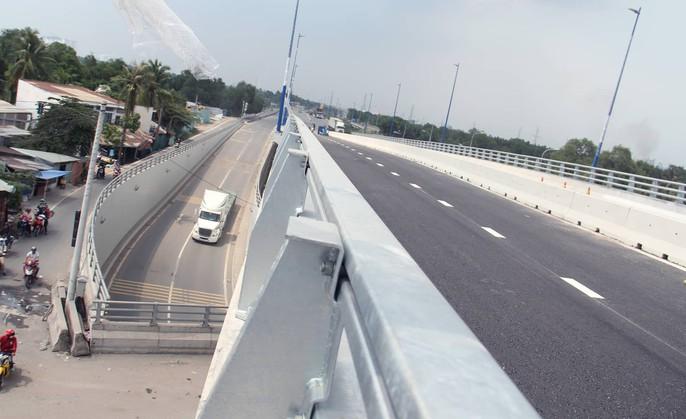 Cận cảnh những công trình mở lối giao thông tại TP HCM - Ảnh 1.