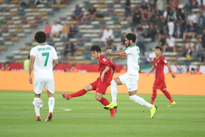 Việt Nam - Iraq 2-3: Thua ngược bởi sức vóc và bóng chết - Ảnh 1.