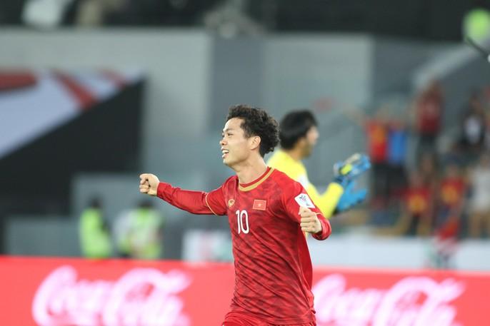 Việt Nam - Iraq 2-3: Thua ngược bởi sức vóc và bóng chết - Ảnh 7.