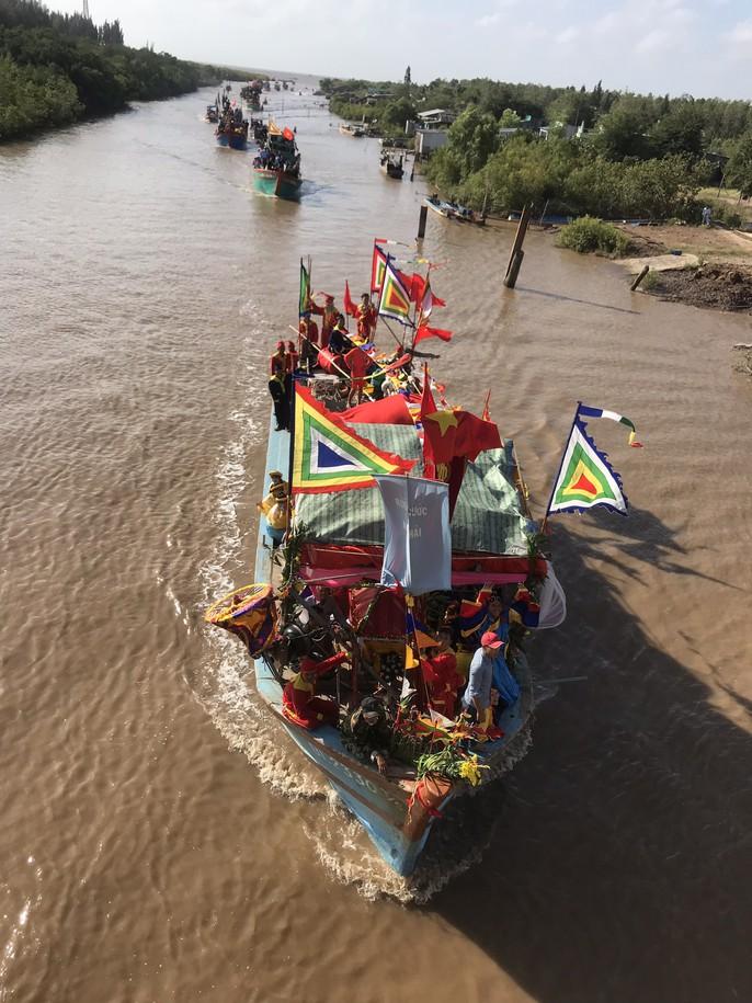 Lễ hội Nghinh Ông ở Bạc Liêu rút kinh nghiệm từ vụ chìm tàu khiến 3 người chết - Ảnh 9.