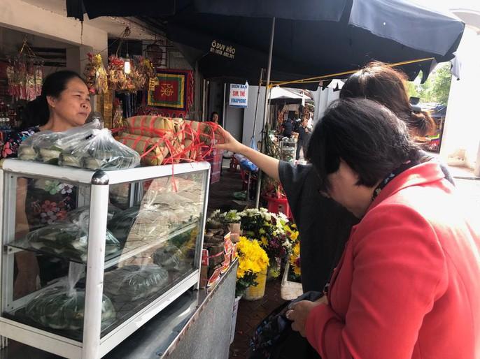 Kiểm tra an toàn thực phẩm tại đền Trần trước lễ khai ấn - Ảnh 24.