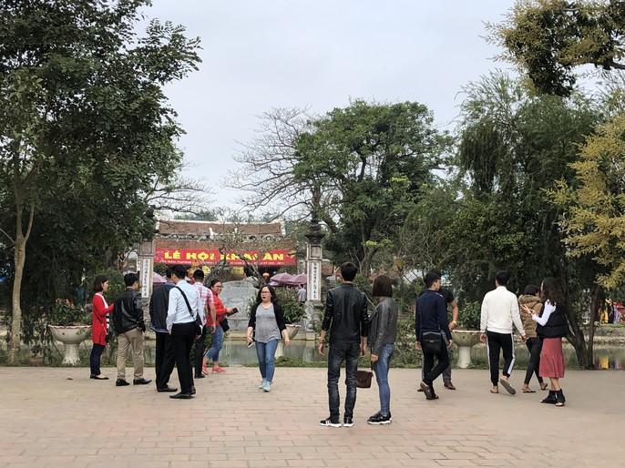 Kiểm tra an toàn thực phẩm tại đền Trần trước lễ khai ấn - Ảnh 5.