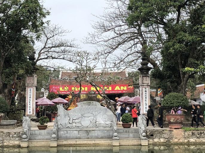 Kiểm tra an toàn thực phẩm tại đền Trần trước lễ khai ấn - Ảnh 4.