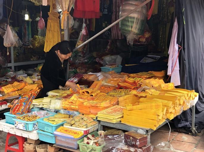 Kiểm tra an toàn thực phẩm tại đền Trần trước lễ khai ấn - Ảnh 10.