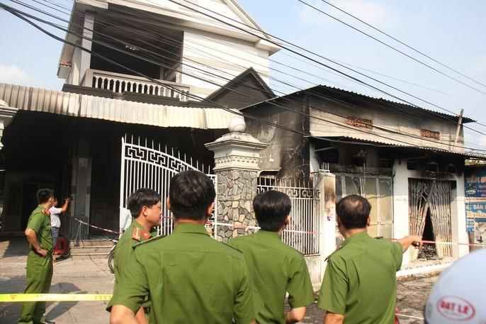 Cháy ki-ốt ở Bà Rịa-Vũng Tàu lúc rạng sáng, 3 người tử vong - Ảnh 3.