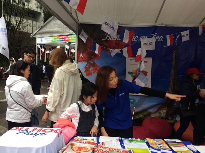 Giám đốc VP Châu Á-Thái Bình Dương Tổ chức quốc tế Pháp ngữ trổ tài đầu bếp - Ảnh 10.