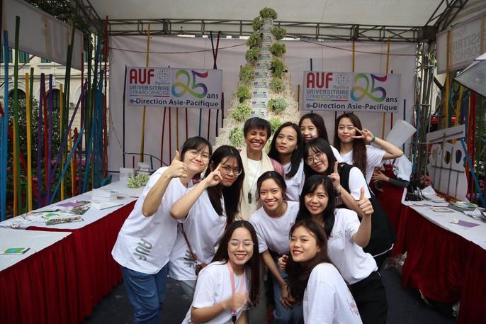 Giám đốc VP Châu Á-Thái Bình Dương Tổ chức quốc tế Pháp ngữ trổ tài đầu bếp - Ảnh 12.