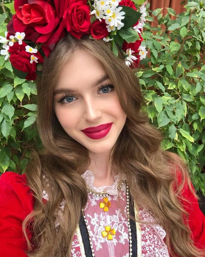 Cận cảnh nhan sắc ngọt ngào của tân Hoa hậu Nga - Ảnh 11.