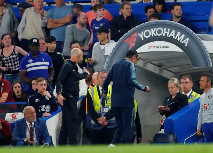 HLV Sarri bị đuổi, Chelsea vuột chiến thắng trước Burnley - Ảnh 4.