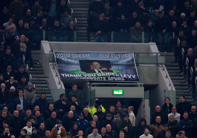 Cận cảnh sân mới trị giá hơn 1 tỉ bảng Anh của Tottenham - Ảnh 4.