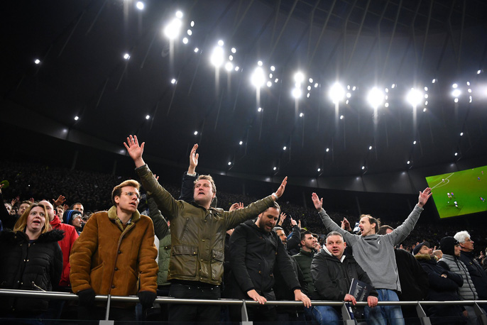 Cận cảnh sân mới trị giá hơn 1 tỉ bảng Anh của Tottenham - Ảnh 3.