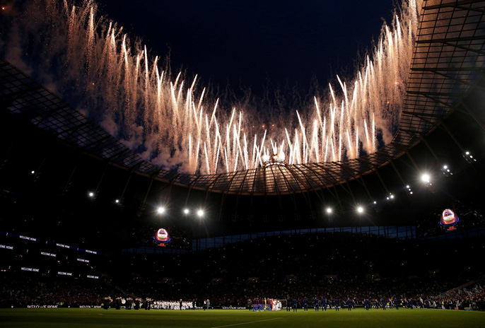 Cận cảnh sân mới trị giá hơn 1 tỉ bảng Anh của Tottenham - Ảnh 2.