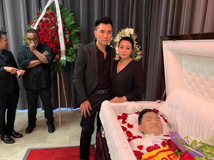 Xúc động tang lễ của nghệ sĩ Anh Vũ tại Mỹ - Ảnh 2.