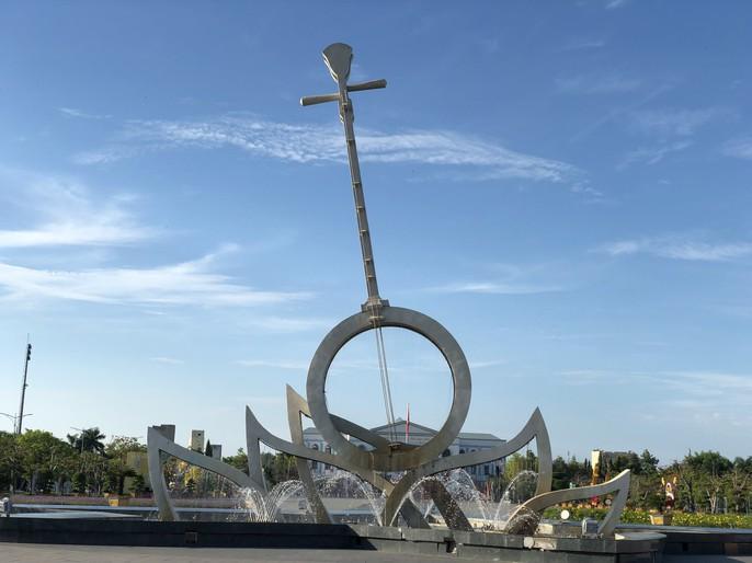 Chiêm ngưỡng những công trình kỷ lục Việt Nam tại quảng trường lớn nhất ĐBSCL - Ảnh 5.