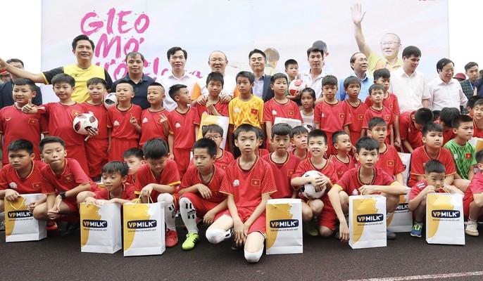 HLV Park Hang-seo gieo mơ ước cho cầu thủ nhí Việt Nam - Ảnh 5.