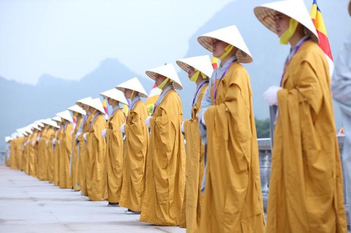 Thủ tướng: Suy nghiệm lời Phật dạy để kiến tạo xã hội tốt đẹp hơn - Ảnh 4.