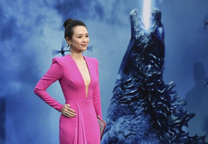 Chương Tử Di cuốn hút trên thảm đỏ Cannes 2019 - Ảnh 9.