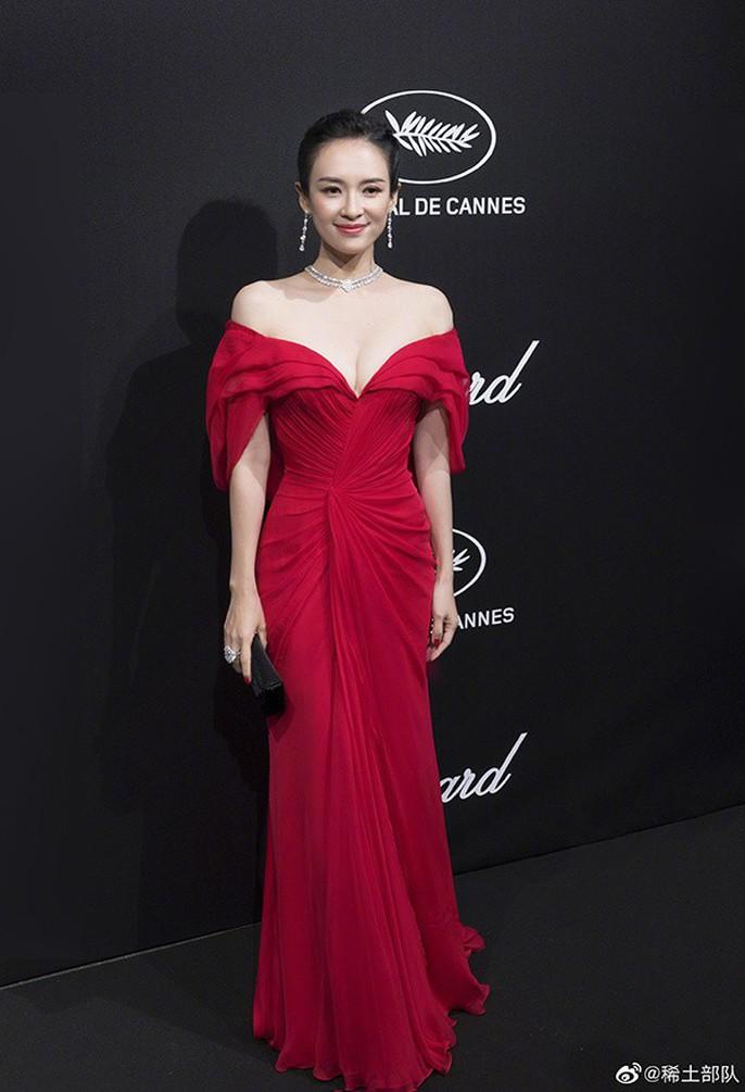 Chương Tử Di cuốn hút trên thảm đỏ Cannes 2019 - Ảnh 6.
