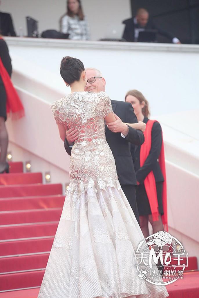 Chương Tử Di cuốn hút trên thảm đỏ Cannes 2019 - Ảnh 5.