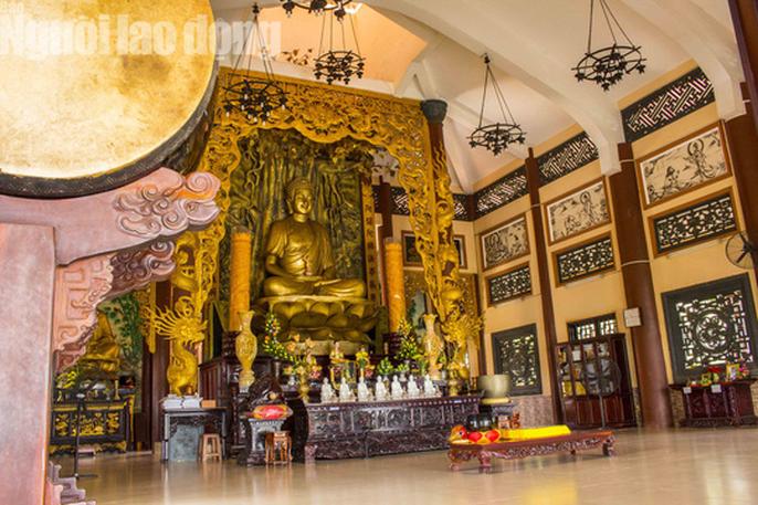Chiêm ngưỡng ngôi chùa vùng biên giới có tượng Phật cao nhất miền Tây - Ảnh 12.