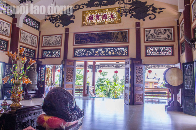 Chiêm ngưỡng ngôi chùa vùng biên giới có tượng Phật cao nhất miền Tây - Ảnh 13.