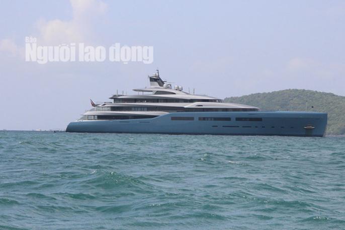 Siêu du thuyền của tỉ phú người Anh đang có mặt tại đảo ngọc Phú Quốc