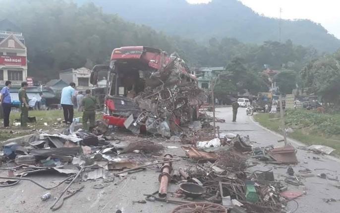 Tai nạn kinh hoàng giữa xe khách và xe tải, 3 người chết, 38 người bị thương - Ảnh 6.