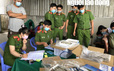 CLIP: Bắt tại trận hơn 12.500kg tôm bị gian thương bơm tạp chất