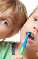 Trẻ mới thay răng đã hỏng, bị bệnh gì?